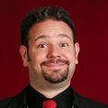 Robertstrong_comedymagician_headshot