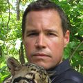 Jeff_corwin_with__cloud_leopard