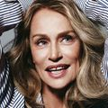040-lauren-hutton-theredlist