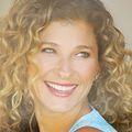 Lisa_druxman_headshot__looking_back_