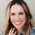 112818_rachel_hollis_aae_headshot