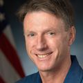 Michael_foale_-_official_astronaut_portrait
