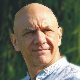 Bernard Siegel Headshot