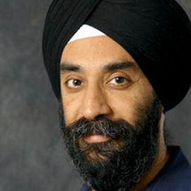 Dr. Mohanbir Sawhney Headshot