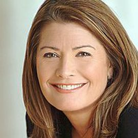 Mary Ellen Geist Headshot