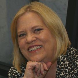 Carolyn S. Hennecy Headshot