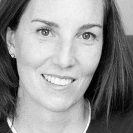 Amy Lockwood Headshot