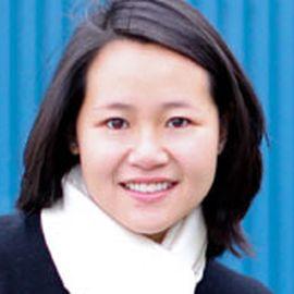 Sylvia Lee Headshot