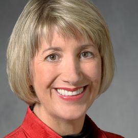 Debra Schmidt Headshot