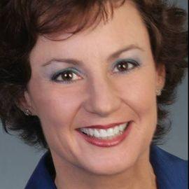 Tricia Molloy Headshot