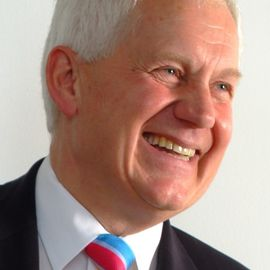 Roger Harrop Headshot
