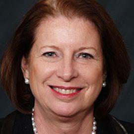 Linda Sharkey Headshot