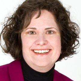 Melanie Szlucha Headshot