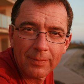Ian Moore Headshot