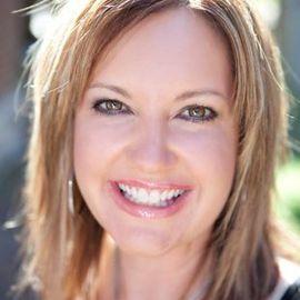 Michelle Nelson Headshot