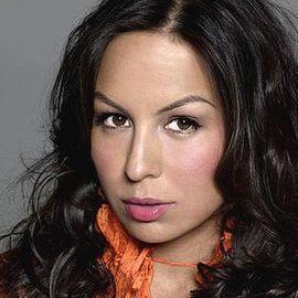 Anjelah Johnson-Reyes Headshot