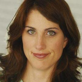 Erin Foley Headshot