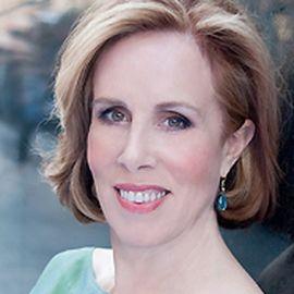 Denise Shull Headshot