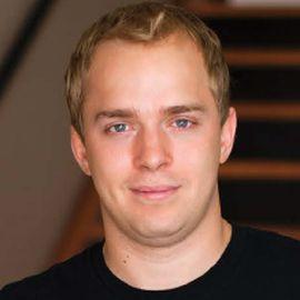 Alex Debelov Headshot