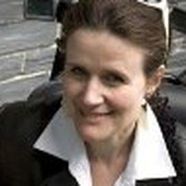 Sue Austin Headshot