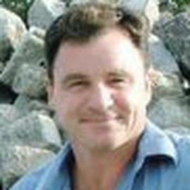 Derek Stearns Headshot