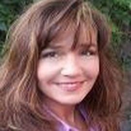 Heather Kopp Headshot