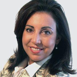Delia Passi Headshot