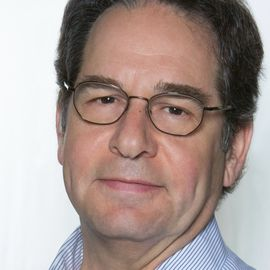 Dr. Christopher Bauer