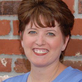 Angie Hicks Headshot
