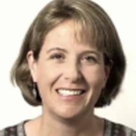 Julia Bolz Headshot
