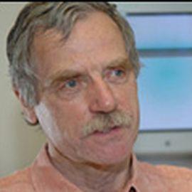 Dr. Dennis Bray Headshot