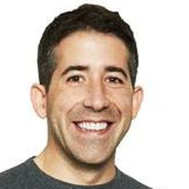 Alejandro Alvarez Headshot