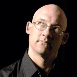 Clay Shirky Headshot