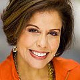 Michele Ruiz Headshot