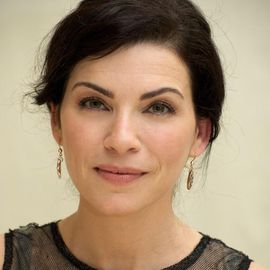 Julianna Margulies Headshot