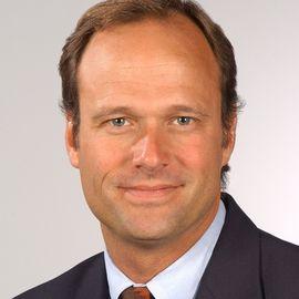Andrew Hoffman Headshot