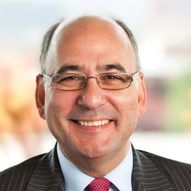 Dr. Luis Martínez-Fernández