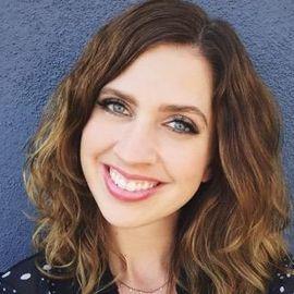 Lydia Winters Headshot