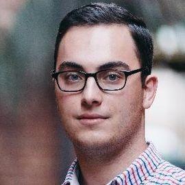 Andy Bromberg Headshot