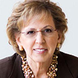 Kathy Hull Headshot