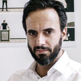 Jose Neves Headshot