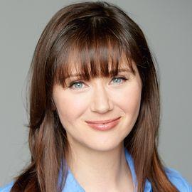 Julie Daniluk Headshot