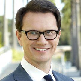 Peter Rice Headshot