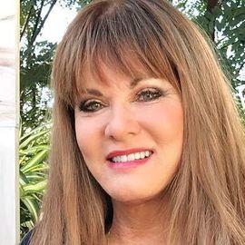 Jeana Keough Headshot