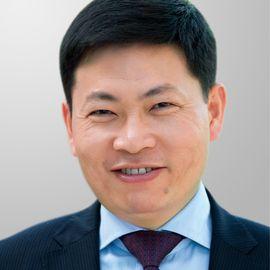 Richard Yu Headshot