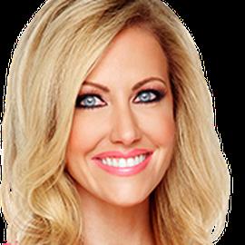 Stephanie Hollman Headshot