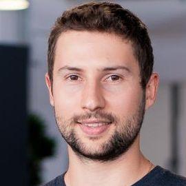 Mark Pavlyukovskyy Headshot