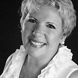 Mary Flynn Headshot
