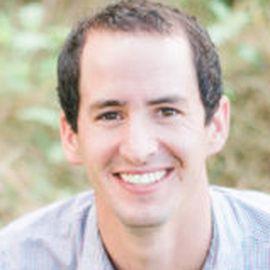 Steven Valencsin Headshot