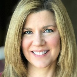 Jennifer McClure Headshot